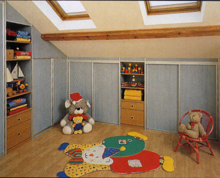 Fa ade chambre d 39 enfant for Placard d angle chambre